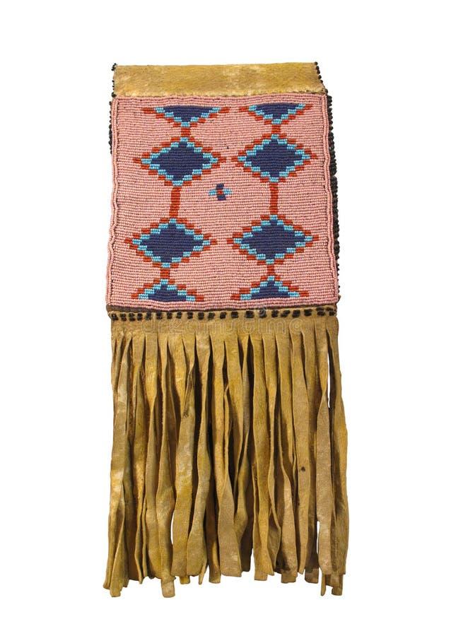 查出的美洲印第安人串珠的鹿皮袋子 库存照片