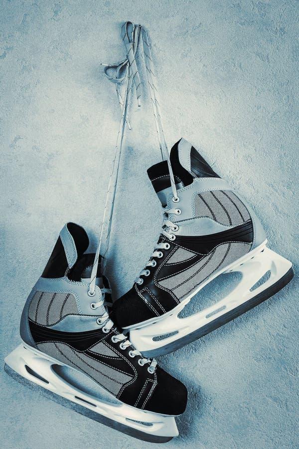 查出的背景曲棍球滑冰白色 免版税库存照片