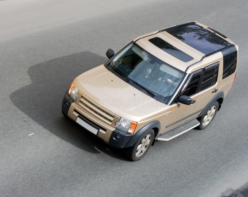 查出的豪华路速度suv的汽车 免版税图库摄影