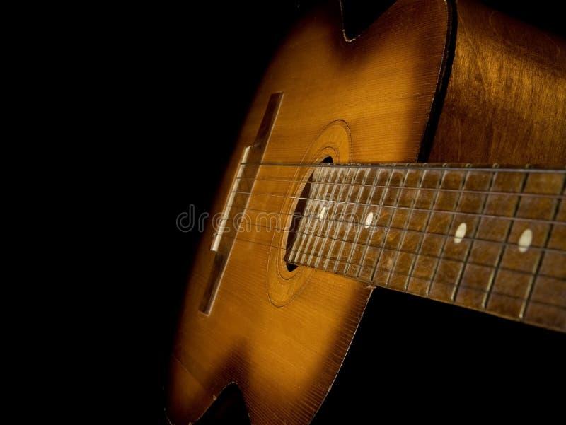 查出的黑色古典吉他 库存照片