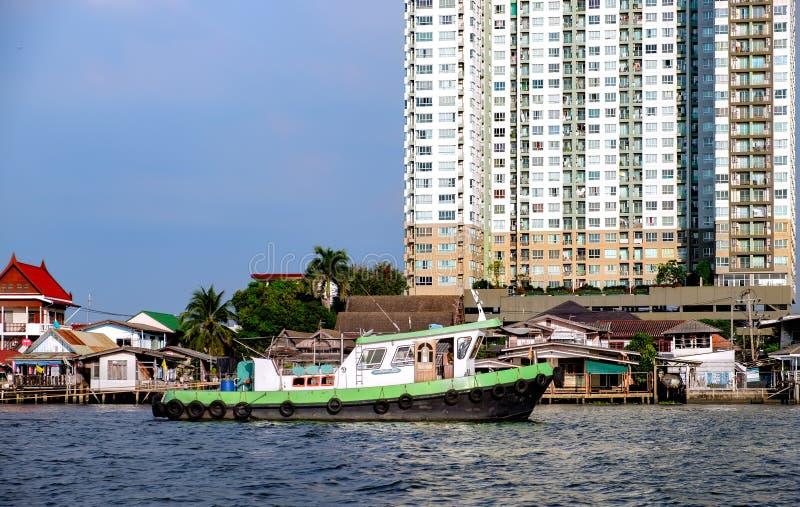 查奥Praya河的看法有它的小船的交易 免版税库存图片