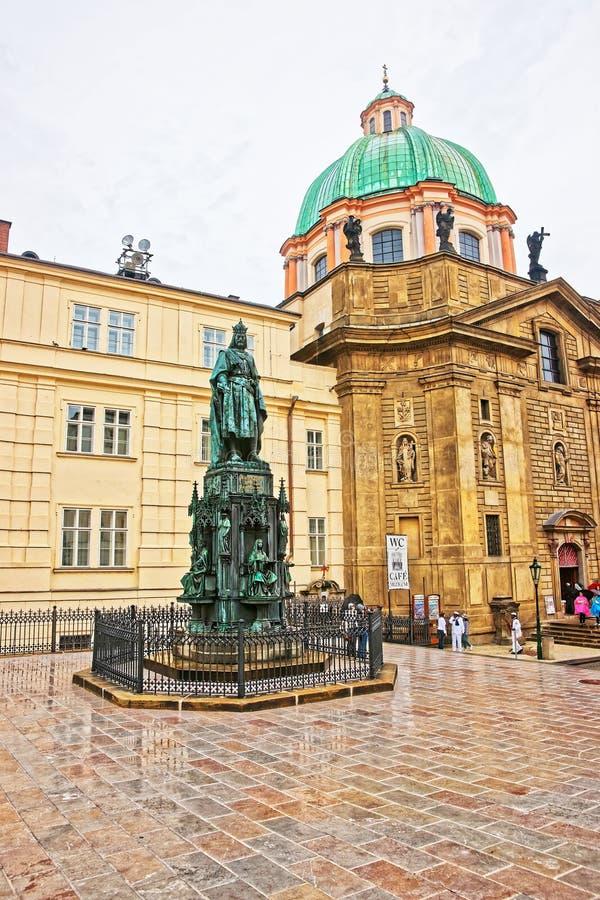 查尔斯国王雕象圣法兰西斯布拉格教会的  库存照片