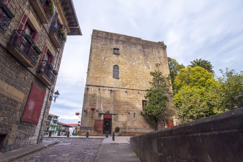 查尔斯城堡v在Hondarribia在Pais瓦斯考, Spian 库存图片