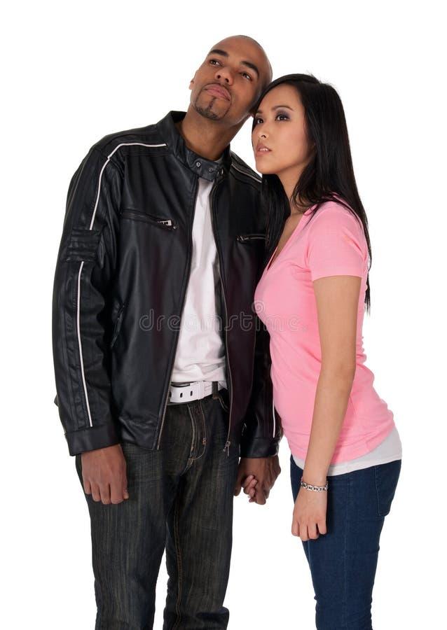 查找一个年轻人的夫妇方向 图库摄影