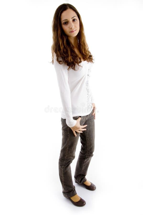 查找摆在的照相机时兴的女孩青少年 免版税库存图片