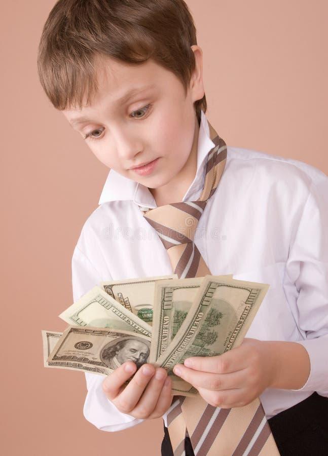 查找m年轻人的生意人 免版税库存照片