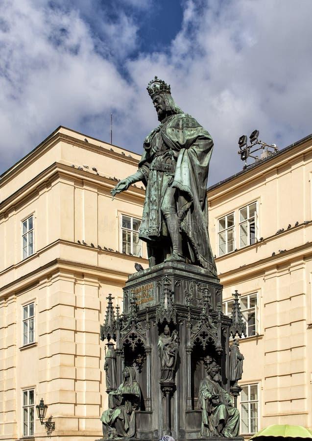 查理四世,发怒正方形,布拉格,捷克的骑士雕象  免版税库存照片