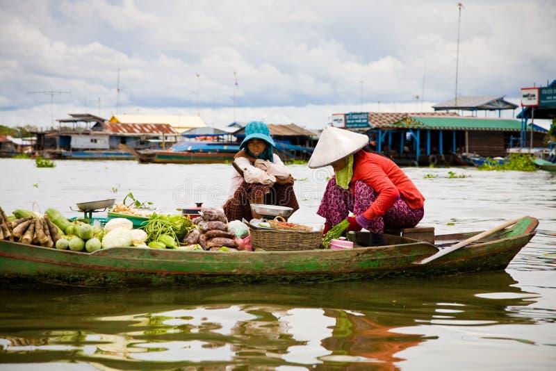柬埔寨浮动的市场 免版税库存照片