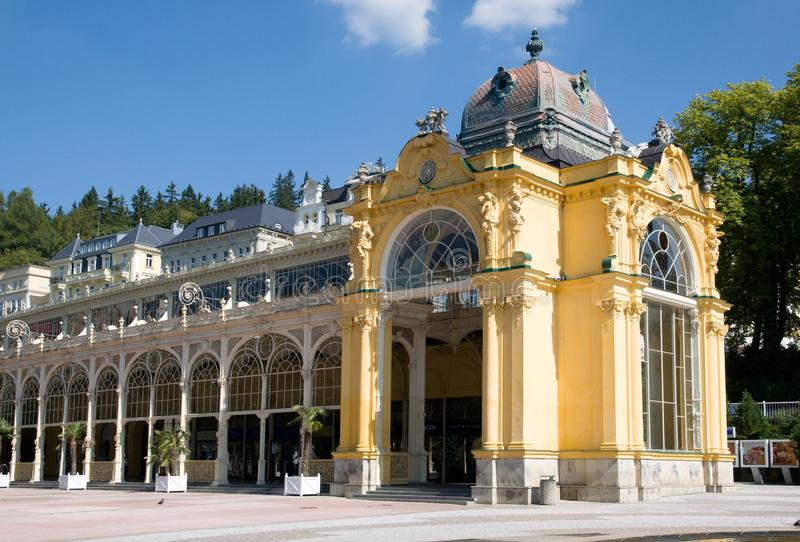 柱廊在Marianske Lazne,西波希米亚,捷克共和国 免版税库存图片