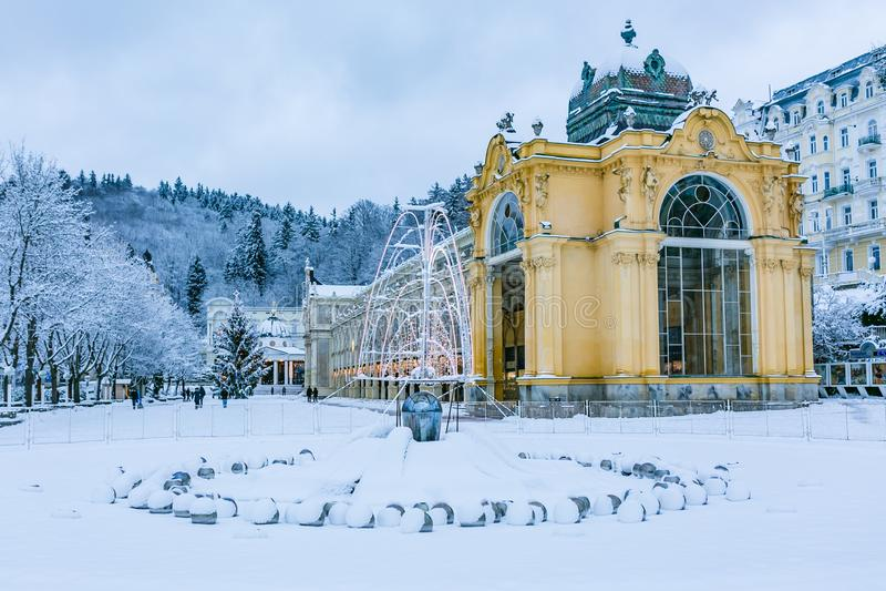 柱廊的冬天图象在玛丽亚温泉市 库存图片