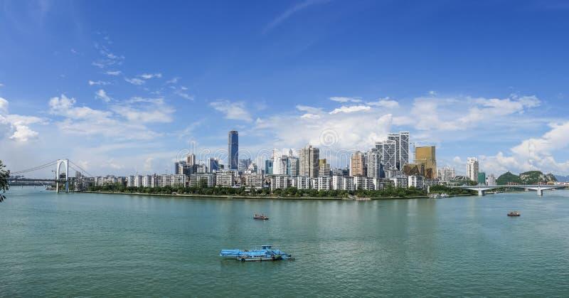柳州半岛在蓝天下 库存图片