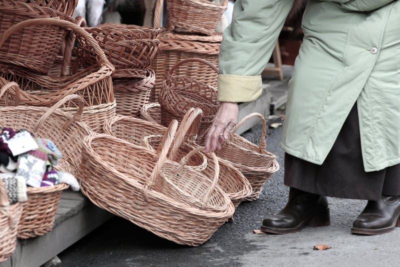 柳条的篮子 免版税库存图片