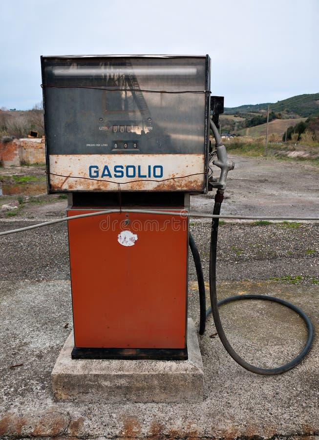 柴油汽油意大利老泵 免版税库存图片