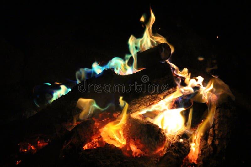 柴火在晚上 免版税库存图片