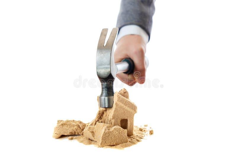 标志房子离婚和锤子概念,惊堂木 免版税库存图片