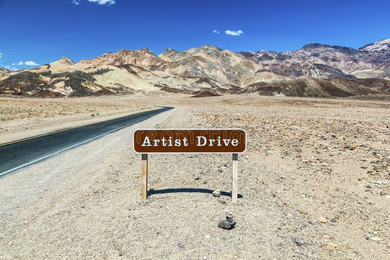 标志艺术家驱动在死亡谷 库存照片