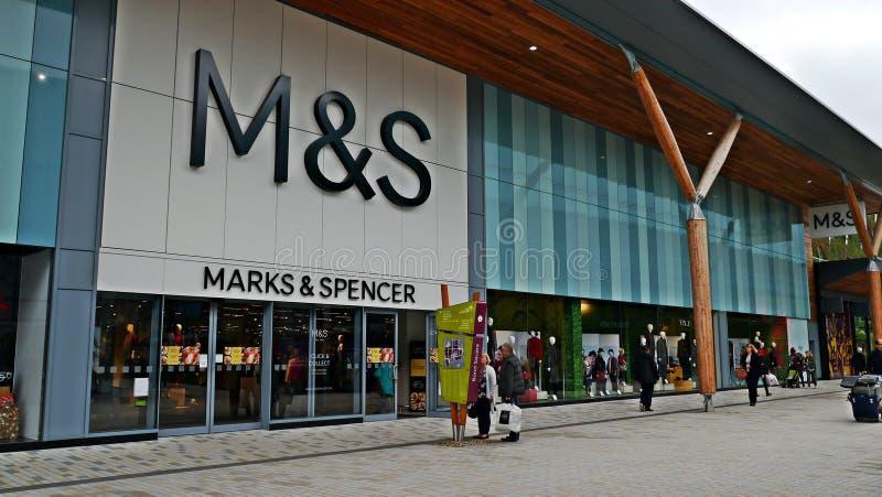 标记和斯宾塞` s全新的商店在布拉克内尔柏克夏 库存照片