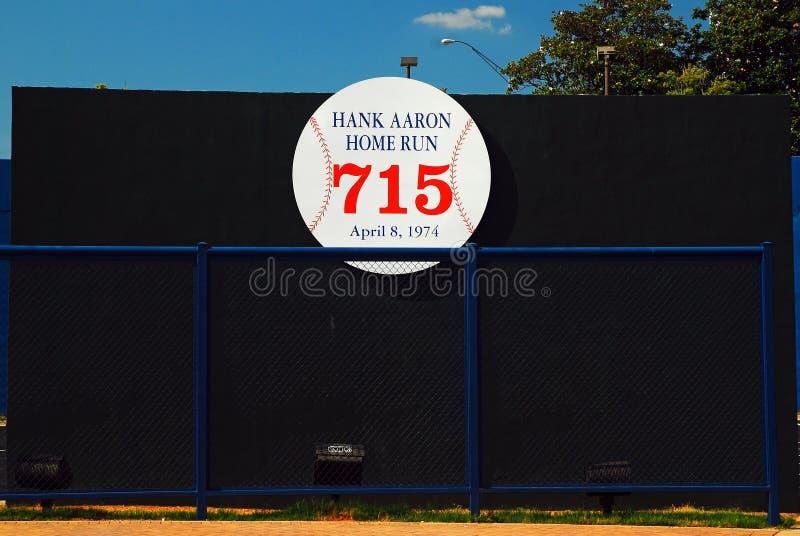 标记汉克・阿伦打他破纪录的本垒打的地方 图库摄影