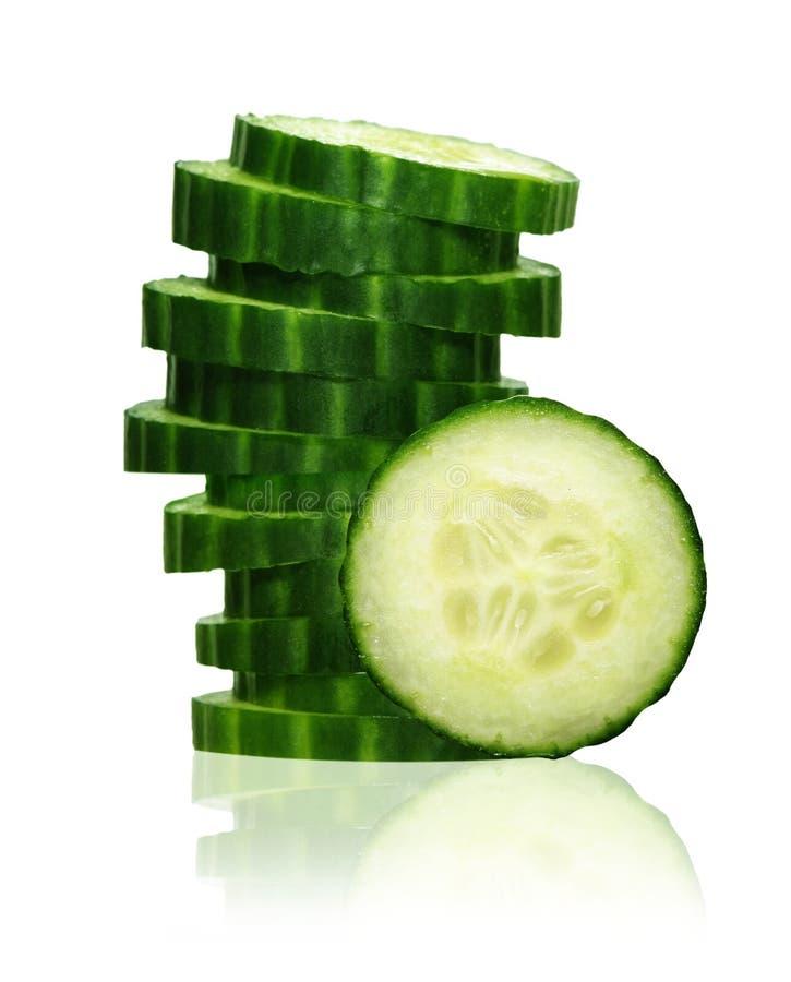 栈绿色黄瓜片式 免版税库存图片