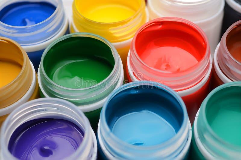 树胶水彩画颜料油漆瓶子 库存照片