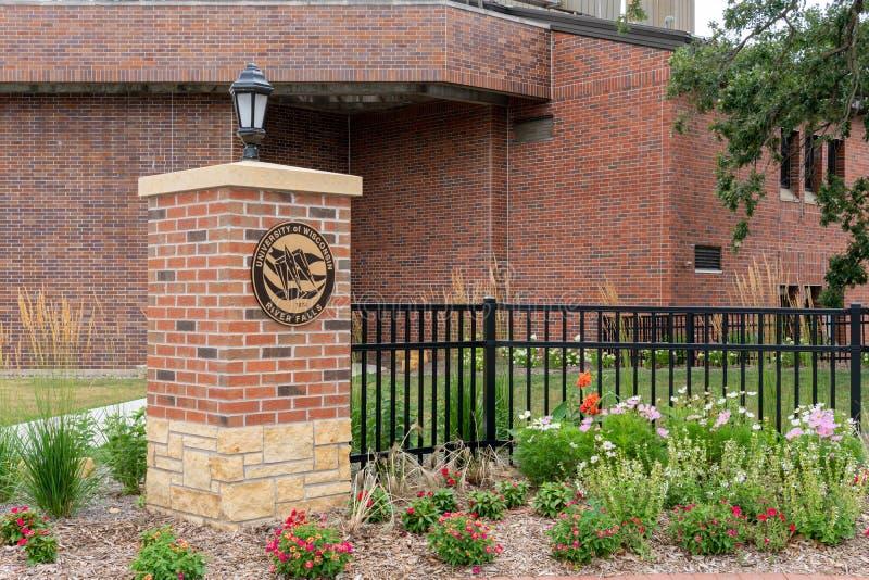 校园入口和门在威斯康星河秋天大学  库存照片