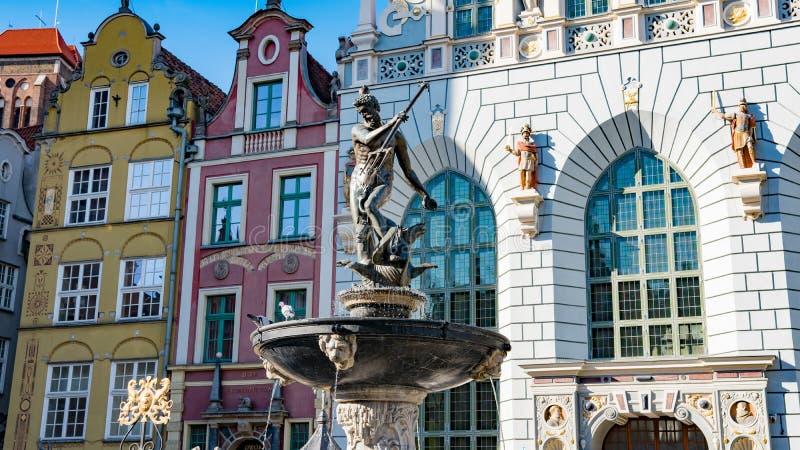 格但斯克,波兰:海王星雕象和喷泉在老镇格但斯克 库存照片