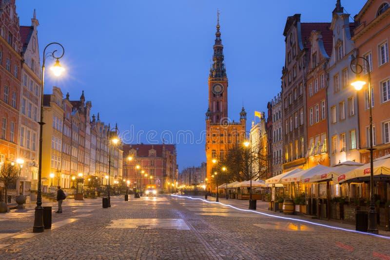 格但斯克,波兰- 2019年3月23日:老镇的长的车道的建筑学在格但斯克在黎明,波兰 免版税图库摄影