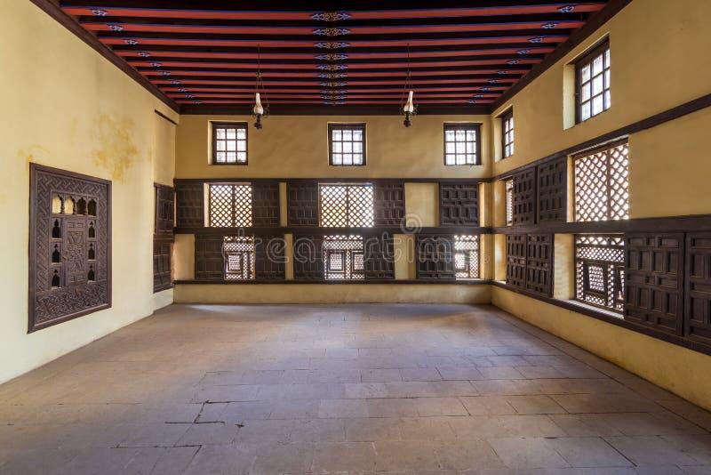 格子木窗、Mashrabiya和滑动百叶窗,位于奥斯曼阿马塞利历史建筑 库存图片