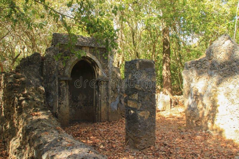 格德火山古老被放弃的阿拉伯,在马林迪附近,肯尼亚 古典斯瓦希里人建筑学 库存照片