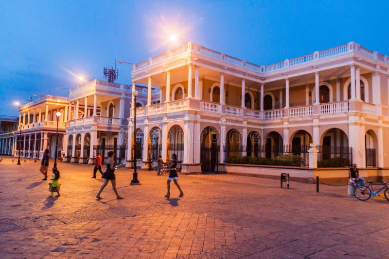 格拉纳达,尼加拉瓜- 2016年4月27日:夜观点的帕拉西奥主教主教的Palace在格拉纳达,Nicarag 免版税库存照片