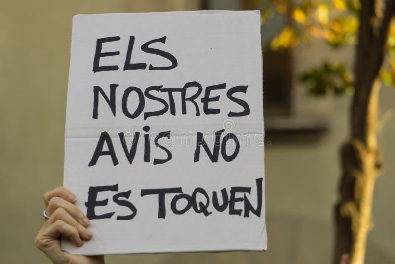 格拉诺列尔斯,卡塔龙尼亚,西班牙, 2017年10月3日:抗议的paceful人 库存照片
