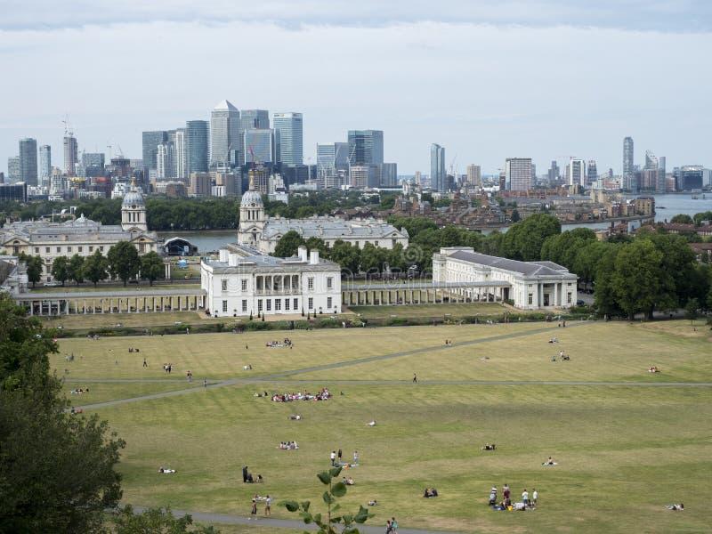 格林威治公园、伦敦和城市地平线 免版税库存照片