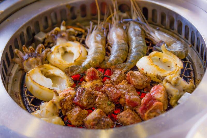 格栅海鲜和肉 库存图片
