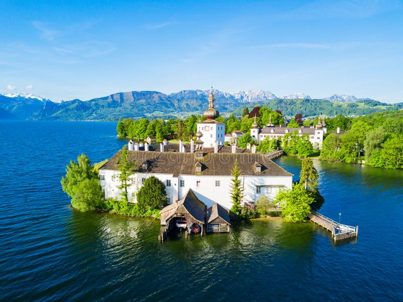 格蒙登城堡鸟瞰图 免版税库存照片