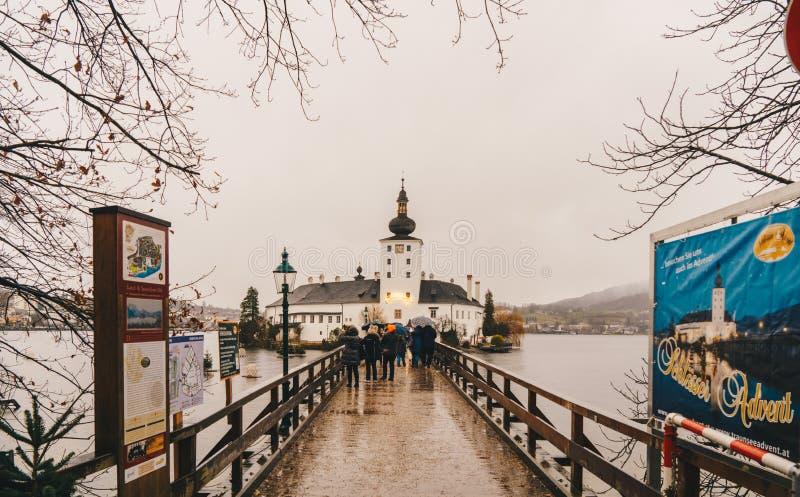 格蒙登,奥地利- 2017年12月:格蒙登施洛斯Ort城堡或 免版税库存图片