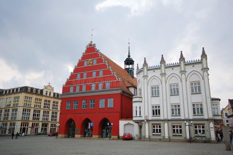 格赖夫斯瓦尔德都市风景有它典型的商业同业公会的房子的 库存图片