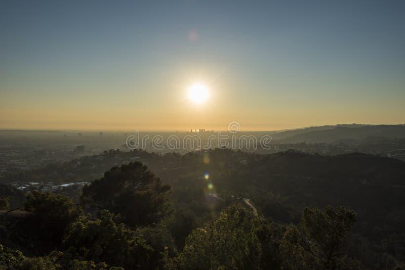 格里斐斯公园足迹和世纪城市日落的 图库摄影