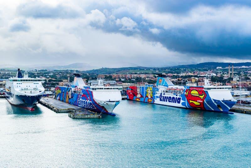 格里马尔迪在奇维塔韦基亚,罗马港的线、Tirrenia Athara和Tirrenia Bithia轮渡  免版税库存图片