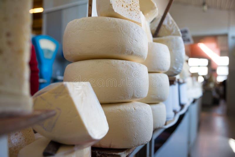 格鲁吉亚乳酪品种照片在第比利斯街道上的图表和网络设计的,网站或流动应用程序的 库存照片