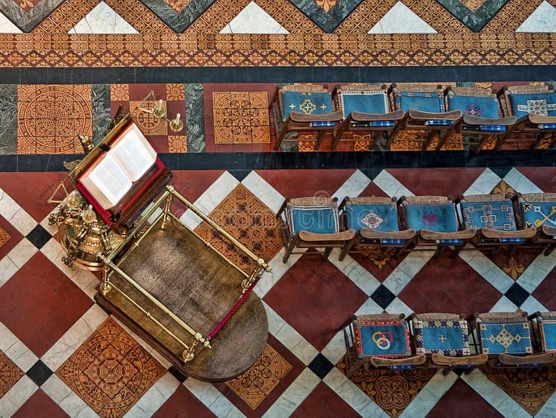 格洛斯特,英国- 2011年8月17日:讲演台概略的看法在格洛斯特大教堂里 图库摄影