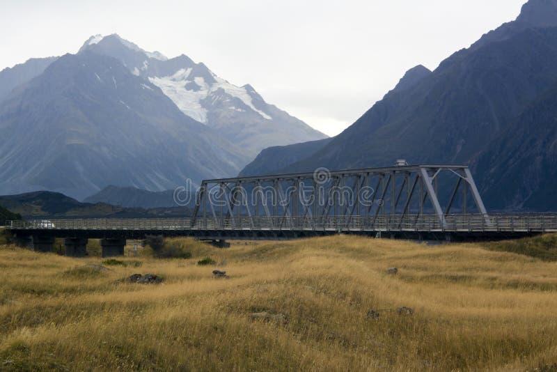 桁架桥在库克山, NZ 库存照片
