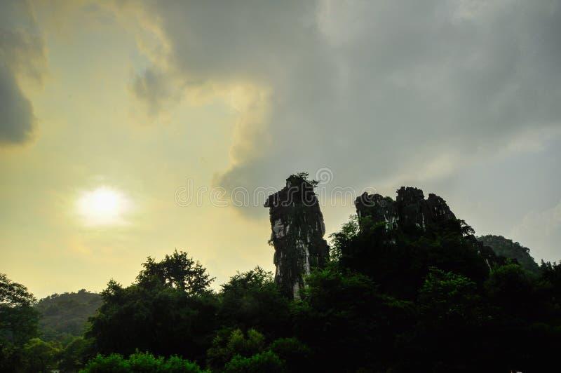 桂林中国七星公园和石灰岩地区常见的地形阳朔。 免版税库存图片