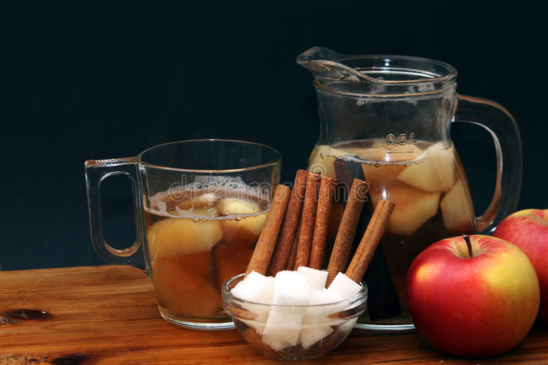 桂香、糖和苹果汁 图库摄影