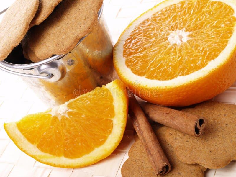 桂香曲奇饼水多的桔子 免版税库存图片