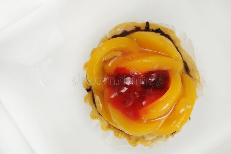 桃子和草莓馅饼 图库摄影