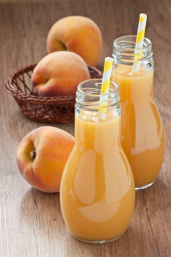 桃子汁饮料 库存照片