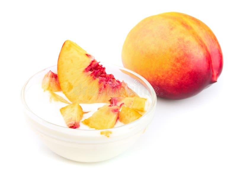桃子酸奶 免版税库存照片