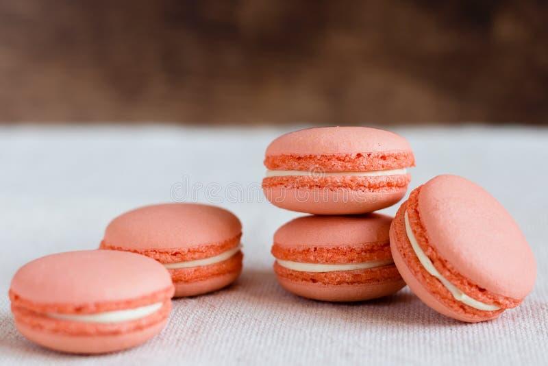 桃子颜色蛋白杏仁饼干 图库摄影