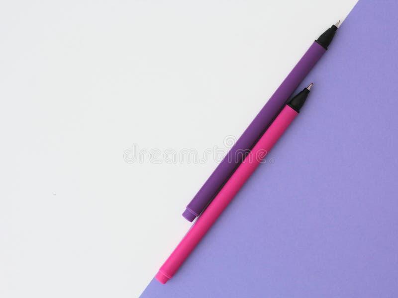 桃红色和紫色笔 库存图片
