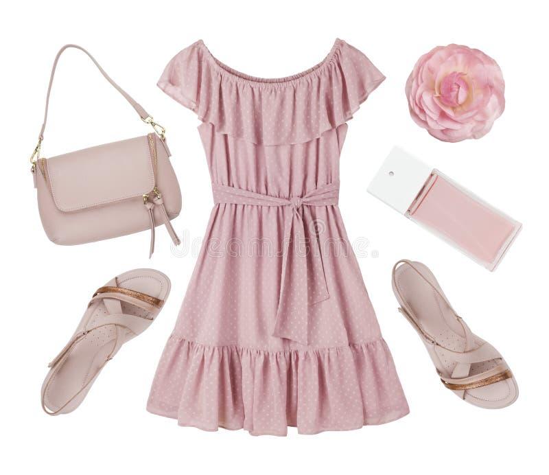 桃红色夏天礼服、鞋子和在白色隔绝的辅助部件拼贴画 免版税库存照片